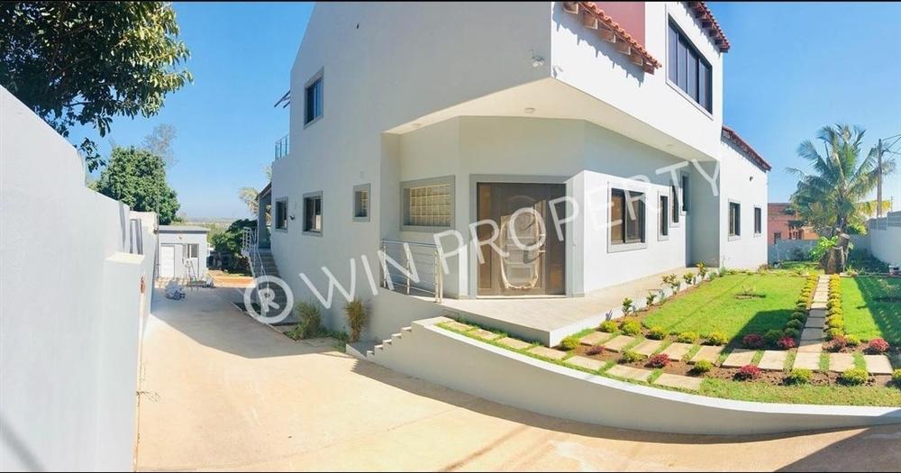 House T4 - Matola-Rio [2]