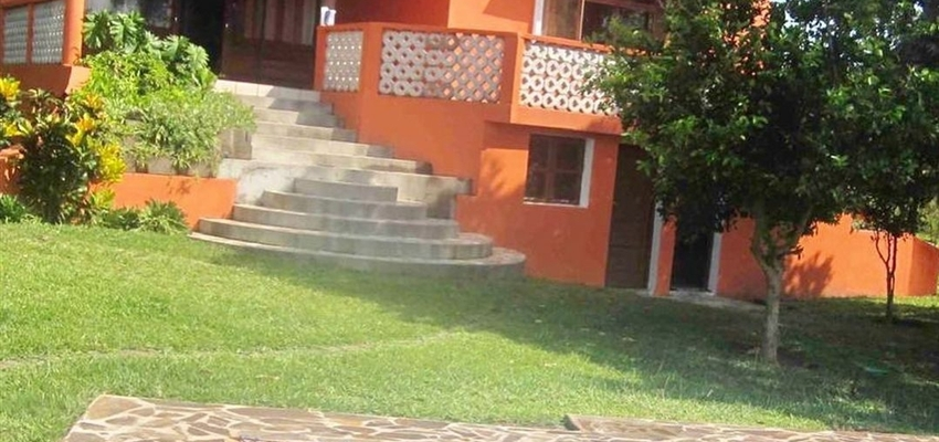 House with land in Bilene